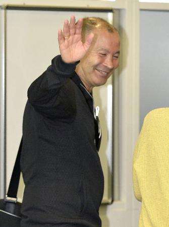 ラグビーのジョーンズHCが離日 「日本の発展楽しみ」