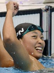 入江、鈴木が銀メダル フェルプス競泳男子初の3連覇