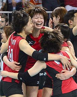 姿変え蘇った日本女子バレー 韓国圧倒、28年ぶりの銅メダル獲得
