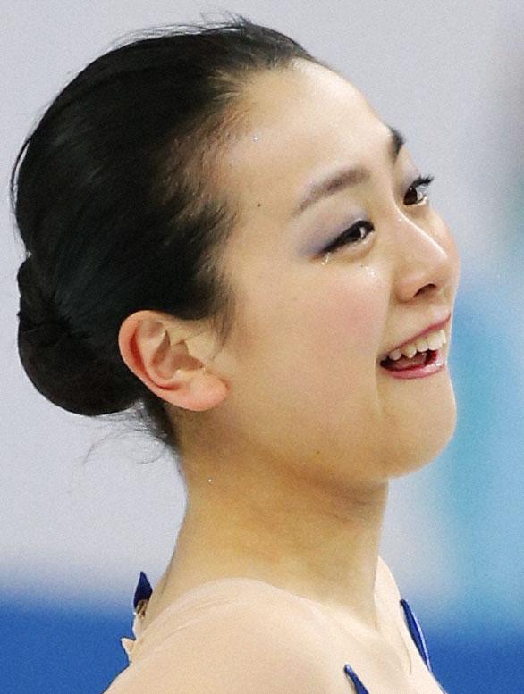 「最高の演技」浅田、金色に輝くフリー 17歳の新女王、ソトニコワ
