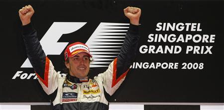 同僚による故意の事故があった08年シンガポールGPで優勝した時のアロンソ