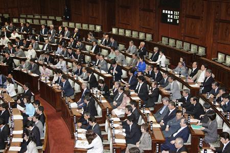議員立法で提出されたスポーツ基本法案は6月17日の参院本会議で可決、成立した(共同)