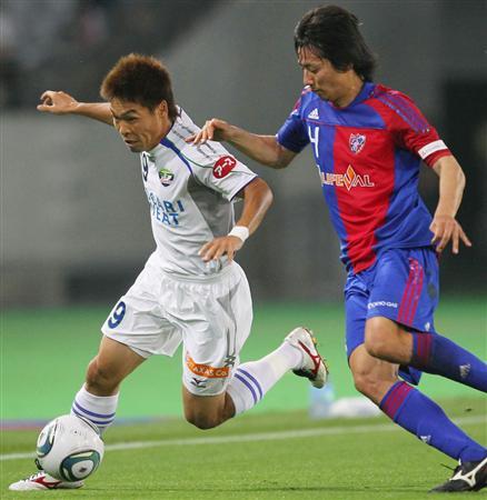J2の首位を争うFC東京と徳島の直接対決=6月、味スタ