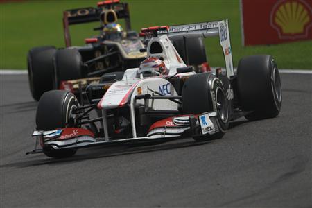 8月28日のベルギーGP決勝で、小林可夢偉の後ろを走るセナ