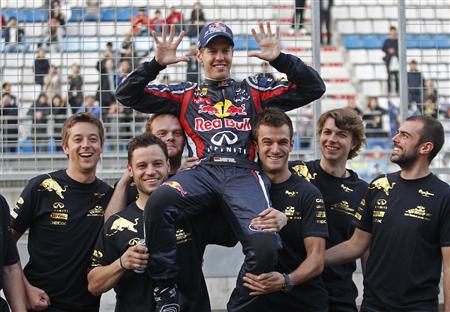 10月16日決勝の韓国GPでフェテルが優勝、レッドブルは製造者部門2連覇を決めた