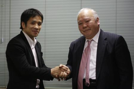 須佐勝明(左)と加藤一二三