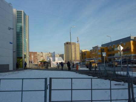 10月下旬、早くも雪化粧をまとったチュメニのたたずまい(共同・田井弘幸記者撮影)