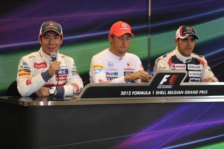 ベルギーGP予選2番手となり、記者会見でインタビューに答える小林可夢偉 Sauber