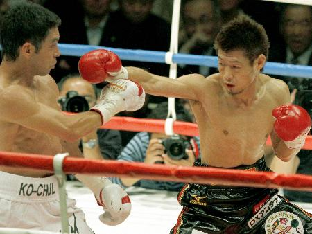 WBC、WBOの王者対決となった2005年4月の長谷川―モンティエル