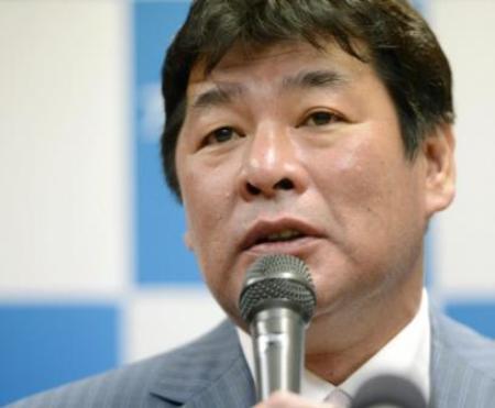 総監督就任会見で抱負を語る赤井英和さん