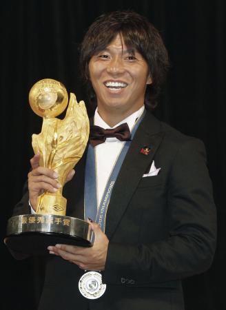 Jリーグで最優秀選手に選ばれた広島の佐藤寿人