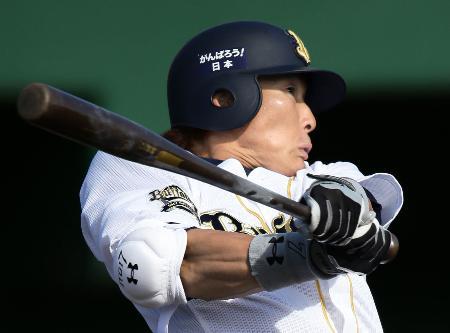 攻守走のすべてでけん引役が期待される糸井外野手(2013年2月10日、共同)