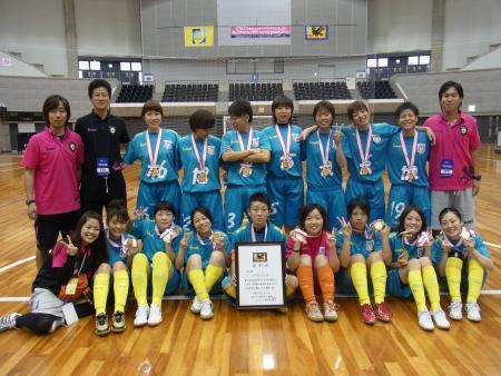 2011年の女子全日本選手権を制した「アルコイリス」の面々。チームは女王返り咲きを目指して燃えている(井野選手提供)