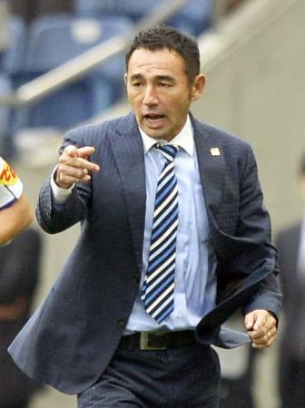 サッカーのヤマザキナビスコ・カップで優勝したG大阪の長谷川健太監督