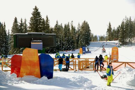 苦肉の策の分散開催でスキーの距離会場となったストラブスケプレソののどかで閑散とした光景(2015年2月1日、共同)