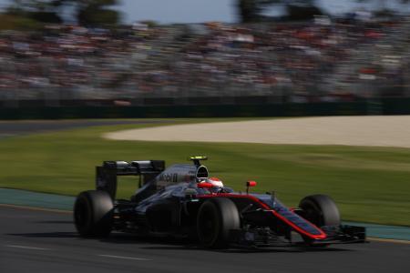 オーストラリアGP決勝を走るマクラーレン・ホンダのジェンソン・バトン。残念な結果だったが、完走を果たしたことは、復帰初戦のホンダにとって大きい=(C)Honda Motor Co.,Ltd. and its subsidiaries and affiliates. All rights reserved.