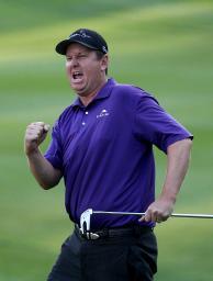 米男子ゴルフのバラクーダ選手権 プレーオフを制し3年ぶりの優勝を果たしたJ・J・ヘンリー=9日、リノ(ゲッティ=共同)