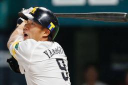 1回ソフトバンク2死、柳田が左越えに先制本塁打を放つ=ヤフオクドーム