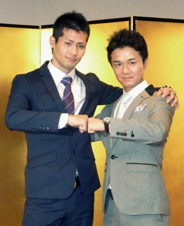 WBCダブル世界戦に挑む江藤光喜(左)と木村悠=1日、東京都内のホテル