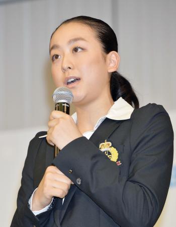 グランプリシリーズに向け記者会見する浅田真央=4日午後、東京都内のホテル
