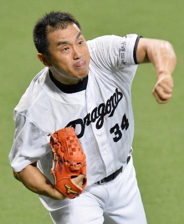 現役最後となる広島戦の先発登板に向け、調整する中日の山本昌投手=6日、ナゴヤドーム