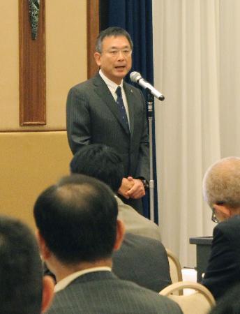 八百長対策セミナーで、あいさつするJリーグの村井満チェアマン=7日、東京都内のホテル