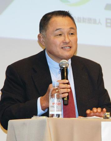 日本スポーツ仲裁機構(JSAA)のシンポジウムで、発言する全日本柔道連盟の山下泰裕副会長=5日、東京都千代田区