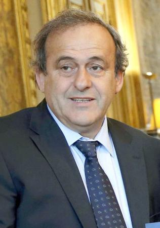 国際サッカー連盟のプラティニ副会長