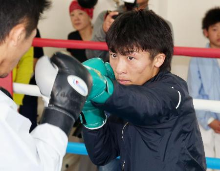 WBOスーパーフライ級タイトルマッチに向け練習する井上尚弥=横浜市の大橋ジム