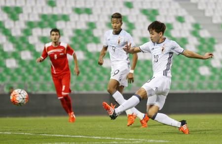 シリアとの強化試合の前半、ゴールを決める南野=ドーハ(日本サッカー協会提供・共同)