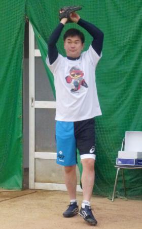 鳥取市内で練習を公開した中日・岩瀬