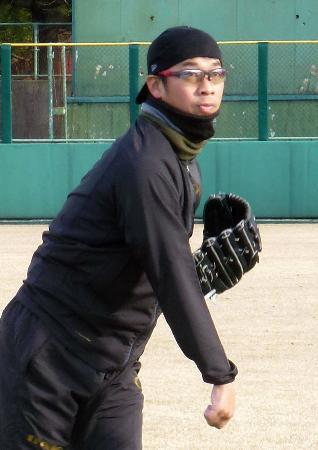 鳥取市内で練習を公開した中日・山井