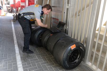 今シーズン開幕戦オーストラリアGPの使用タイヤは、スーパーソフト、ソフト、ミディアムの3種類が決定し、ピレリはソフトかミディアムのレース使用を義務付けた(Pirelli)