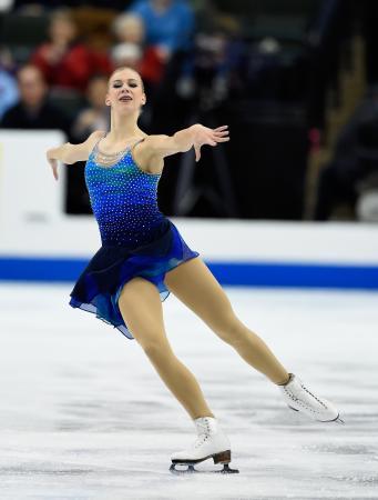 全米選手権女子ショートプログラムで首位に立ったポリーナ・エドムンズ=ミネソタ州セントポール(ゲッティ=共同)