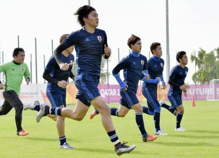 準決勝に向け練習する日本イレブン=ドーハ(共同)