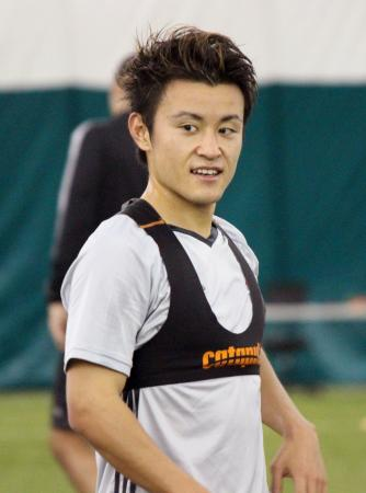 MLSトロントのチーム練習に参加した遠藤翼=トロント(共同)