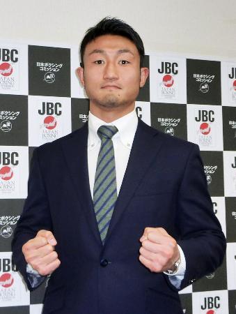 次戦で世界挑戦できる見通しとなったIBFスーパーライト級3位の小原佳太=5日午後、東京都内