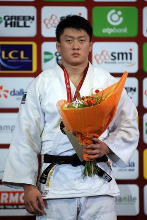 優勝した男子100キロ超級の原沢久喜=パリ(AP=共同)