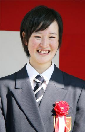 JRA競馬学校の卒業式で笑顔の藤田菜七子=9日、千葉県白井市