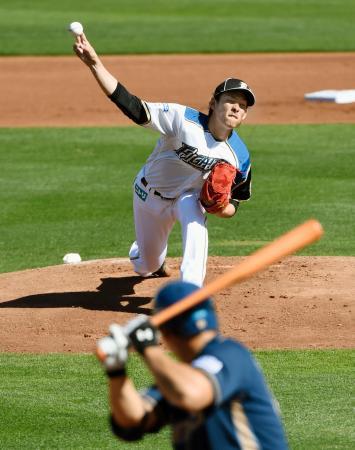 韓国プロ野球のNCとの練習試合に先発し、3回を1安打1失点の日本ハム・高梨=ピオリア(共同)