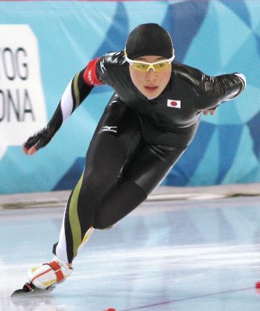 スピードスケート男子1500メートルで銀メダルを獲得した堀川大地=ハーマル(共同)