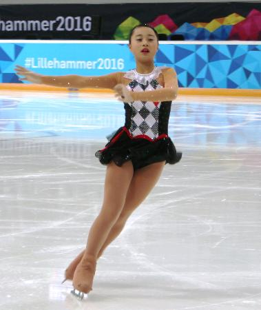 フィギュアスケート女子で4位となった白岩優奈のフリーの演技=ハーマル(共同)