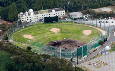 PL学園の硬式野球部グラウンド=大阪府富田林市