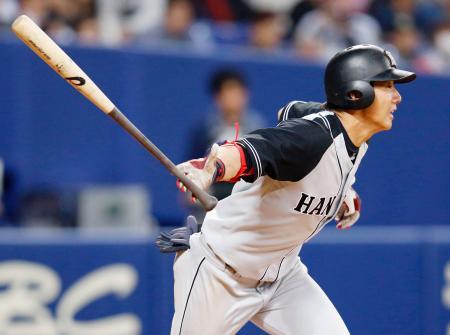 7回、この日3安打目となる内野安打を放つ阪神・横田=ナゴヤドーム
