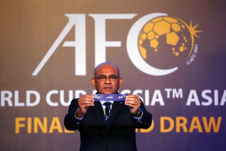 サッカーW杯アジア最終予選の組み合わせ抽選会で引かれた「日本」のくじ=12日、クアラルンプール(AP=共同)