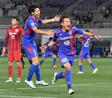 FC東京―上海上港 後半、決勝ゴールを決め喜ぶFC東京・水沼(48)=味スタ