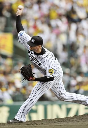 7回1失点で約1カ月ぶりの5勝目を挙げた阪神・メッセンジャー=甲子園