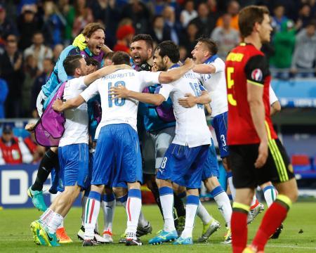 ベルギーを下し、喜ぶイタリアの選手たち=リヨン(AP=共同)