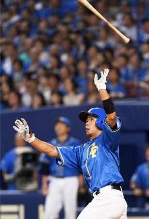 3回中日無死満塁、福田が左越えに満塁本塁打を放つ=ナゴヤドーム