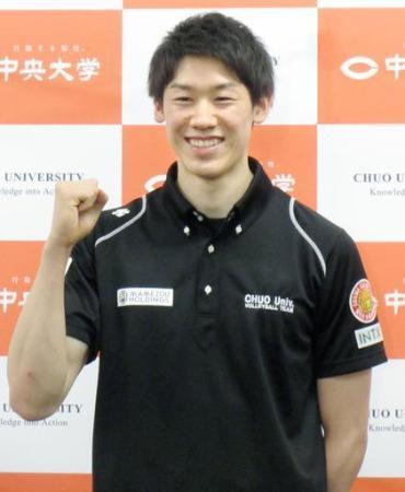 イタリア1部リーグのラティーナでプレーすることを発表したバレーボール男子日本代表の石川祐希=8日午後、東京都八王子市